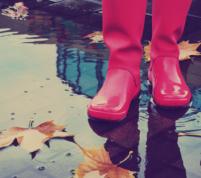 8 Motive sanatoase pentru a merge prin ploaie